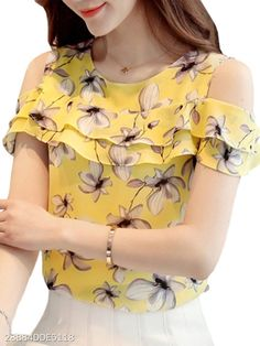 2019 Fashion Women's Chiffon Blouse Summer shirt Floral Ladies Off Shoulder Ruffles Tops Casual Short Sleeves Print for female Blouse Styles, Blouse Designs, Blouse Online, Affordable Clothes, Affordable Fashion, Printed Blouse, Casual Tops, Blouses For Women, Clothing Websites