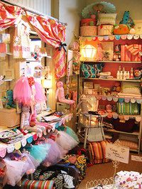 Wholesale, Retail, and Beginning to Sell Your Handmades to Shops, Part 1