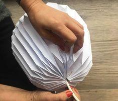 50 New Ideas Origami Lamp Shape Diy Tutorials Origami Lampshade, Paper Lampshade, Lampshades, Diy Bookshelf Wall, Corner Bookshelves, Origami Patterns, Diy Gifts For Him, Christmas Origami, Diy Papier