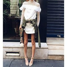 High Quality 2017 New Style Women Mini White Lace Dress Sp Long Sleeve Round Neck Ruffles Hollow Party Dress Sexy Lady Clothing