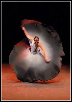 Dancer Sara Baras 2008 Je l'ai vu dans Carmen au théâtre des Champs Elysées :superbe