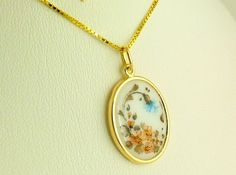 Eindrucksvoll:  HANDBEMALTER EMAILLE PORZELLAN von GoldenShop24 Gold Necklace, Pendant Necklace, Etsy, Vintage, Jewelry, Gold Jewellery, Enamel, Craft Gifts, Gold Pendant Necklace