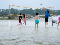 A beach volleyball set makes for a fun beach game - especially when there are double red flags keep you out of the ocean. #beachgames #beachtipsforteens #beachfun