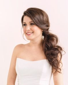 love this wedding side ponytail! simple yet elegant!  ~  we ❤ this! moncheribridals.com                                                                                                                                                     More Side Ponytail Wedding, Side Ponytail Curls, Wedding Pony Tail, Side Ponytail Hairstyles, Elegant Ponytail, Ponytail Wedding Hair, Wedding Hair Side, Formal Ponytail, Side Ponytails