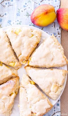 Peach Scones, Cream Scones, Lemon Scones, Savory Scones, Easy Peach Pie, Vanilla Glaze, Cupcakes, Baking Recipes, Scone Recipes
