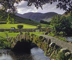 Stone Bridge, Lake District, England photo via anita