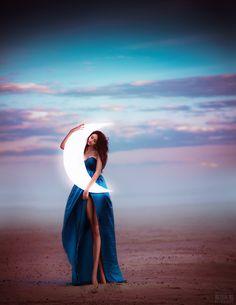 Love the moon dreamy photography Dreamy Photography, Fantasy Photography, Moon Pictures, Moon Magic, Beautiful Moon, Moon Goddess, Moon Art, Image Hd, Moon Child