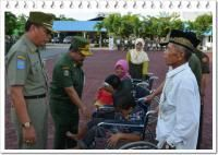 Pemkab Bengkalis Beri Bantuan Kursi Roda Untuk 38 Penyandang Cacat - Amanah Anak Negeri