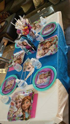 Custom #Frozen inspired kids table #birthday #centerpiece #tablescape
