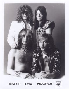 Mott the Hoople with Ariel Bender Music Pics, Music Pictures, Music Is Life, My Music, Big Hair Bands, Ian Hunter, Mott The Hoople, 1970s Music, Rock Lobster