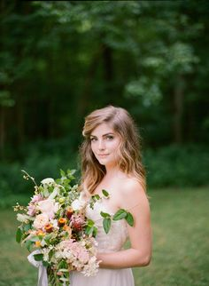 Delicate Spring Wedding Ideas With Pink Floral Details Soft Feminine Bridal Inspiration And Gorgeous Table Settings Worth Swooning Over Floral Wedding, Diy Wedding, Wedding Bouquets, Wedding Ideas, Short Wedding Hair, Wedding Hairstyles For Long Hair, Wedding Hair Inspiration, Hair And Makeup Artist, Outdoor Photography