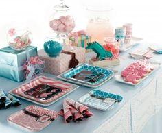 Gender Reveal baby shower table idea #babyshower #genderreveal #peartreegreetings