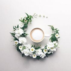 Japanese Artist Creates A Unique Visual Diary While Having Her Coffee Coffee Flower, Flower Tea, Flower Circle, Coffee Pictures, Coffee Is Life, Visual Diary, Coffee And Books, Passion Flower, But First Coffee