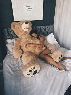 My bear bought me a bear couple goals! My bear bought me a bear couple goals! Teddy Girl, Giant Teddy Bear, Cute Teddy Bears, Bear Tumblr, Valentines Day Goals, Couple Goals Cuddling, Cadeau Couple, Teddy Bear Pictures, Bear Girl