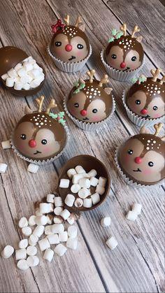 Hot Chocolate Gifts, Chocolate Work, Chocolate Covered Treats, Christmas Hot Chocolate, Christmas Deserts, Homemade Hot Chocolate, Hot Chocolate Bars, Chocolate Hearts, Hot Chocolate Recipes