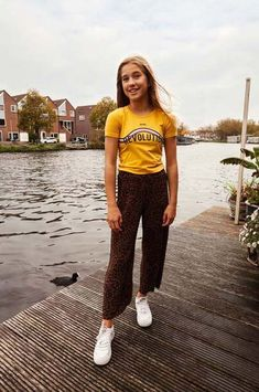 De panther print is een super toffe modetrend & één van onze favorieten! Zie jij jouw youngster ook al rondhuppelen in deze leuke culotte?! #looxs #nieuwe #collectie #culotte #panther #print #trend #kinderkleding #kindermode #fashion #look #outfit Normcore, Hipster, Model, Outfits, Style, Products, Fashion, Boyshorts, Fashion Trends