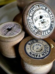 Floss and thread and wood Vintage Sewing Notions, Vintage Sewing Machines, Vintage Love, Vintage Cotton, Thread Spools, Cable Spools, Sewing Baskets, Wooden Spools, Sewing Box