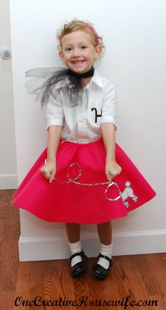 One Creative Housewife: 50s Day Poodle Skirt {Tutorial}
