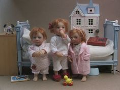 Dollhouse dolls by Catherine Muniere. Apparently made to scale for dollhouses. OMG these are just tooooo cute! I love them, but they are apparently VERY expensive!