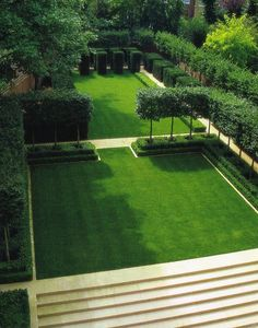 like how the lawn is framed