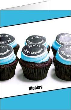 Carte d'anniversaire cupcakes bleus: Pour tous les gourmands, écrivez votre texte pour personnaliser votre carte ! Placez des accessoires, sélectionnez votre type papier et la couleur de vos enveloppes. A recevoir chez vous ou à expédier directement chez votre ami ! A partir de 0,62€ selon format. A découvrir ici : http://www.popcarte.com/cartes-flash/carte-anniversaire/anniversaire-cupcake-bleu.html