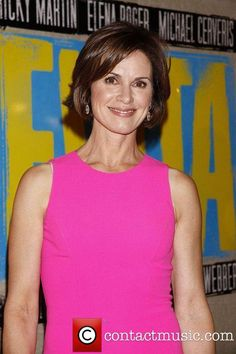 Elizabeth Vargas, ABC News Anchor, Enters Rehab For Alcoholism Over 40 Hairstyles, Cute Hairstyles, Layered Hairstyles, Abc News Anchors, Elizabeth Vargas, Natural Women, Great Hair, Famous Faces, Cut And Style