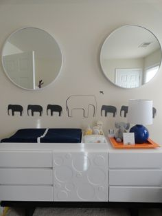Elephant Accents in this Modern Nursery