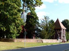 Wunderbarer Herbst in Mecklenburg Vorpommern | Glockenturm der Schlosskapelle Griebenow (c) Frank Koebsch