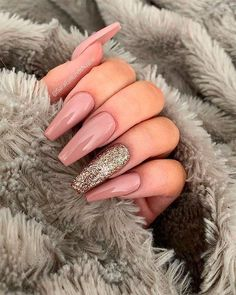The Best Coffin Nails Ideas That Suit Everyone Pretty long coffin s.,The Best Coffin Nails Ideas That Suit Everyone Pretty long coffin shaped nails with an accent glitter nail Honeycomb Nail Art See We love. Coffin Shape Nails, Coffin Nails Long, Long Acrylic Nails, Acrylic Art, Short Nails, Long Nails, Frensh Nails, Prom Nails, Manicure E Pedicure