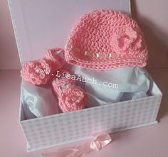 My favourite Crochet Pattern Set for Newborns. Free Crochet Patterns for Baby Hat and Baby Bootie Shoes Set.