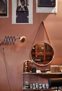 vtwonen kijkt elke maand binnen in de leukste huizen, boordevol met inspirerende woonideeën die we allemaal voor je belichten.