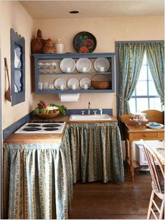 Kitchen Curtains With Style Curtains With Style - Life ideas What size must curtains be? That is where opinions differ since there is no proper length for the curtains. Cottage Kitchens, Farmhouse Kitchen Decor, Country Kitchen, Kitchen Interior, Home Kitchens, Mexican Kitchen Decor, Cheap Home Decor, Diy Home Decor, Room Decor