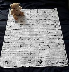 A timeless baby blanket that looks classic in white, cream and pastels, yet modern in bright bold colours. The choice is yours Make it your own and have fun :)
