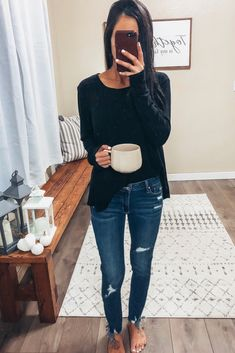 Affordable Pullover sweatshirt outfite skinny jeans postpartum fall home decor Comfy outfit loungewear Autumn outfit autumn style Boho decor affordabl Women Fashion Spring Outfit Women, Spring Fashion Casual, Trend Fashion, Fall Fashion Outfits, Casual Summer Outfits, Simple Outfits, Autumn Fashion, Winter Outfits, Mom Fashion