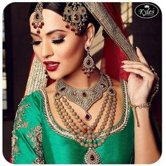 """""""New Bridal Collection launched in Asian Bride Live 2015. The essential accesories needed for the traditional Bridal look, flawless makeup by @kanizali and…"""""""
