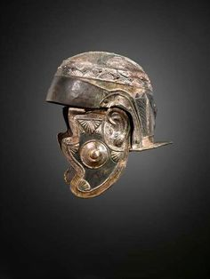 somepoorsod: Roman cavalry helmet I love the fact that it has actually has ears on it. Helmet Armor, Arm Armor, Art Romain, Roman Helmet, Roman Armor, Roman Artifacts, Ancient Armor, Roman Legion, Military Armor