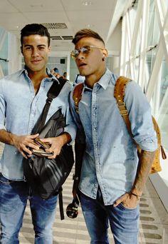 Neymar Neymar Jr, Fc Barcelona Neymar, Marc Bartra, Most Handsome Men, World Cup 2014, Perfect Man, Football Players, Messi, Mirrored Sunglasses