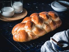 Vianočka aj brioška - maslové cesto z kvásku - Zo srdca do hrnca Bread, Baking, Food, Hampers, Bakken, Breads, Meals, Backen, Yemek