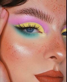 Makeup Eye Looks, Eye Makeup Art, Colorful Eye Makeup, Blue Eye Makeup, Cute Makeup, Eyeshadow Looks, Skin Makeup, Makeup Inspo, Eyeshadow Makeup