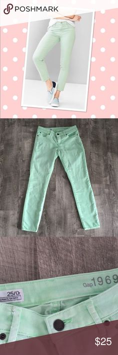 """Gap Always Skinny Ankle Jeans These are in excellent preloved condition. Size 25/0 regular. 26"""" inseam. GAP Pants Ankle & Cropped"""