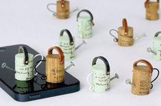 15 ideas para reutilizar corchos de vino - The Big Wine Theory ideen korken Wine Cork Art, Wine Cork Crafts, Wine Bottle Crafts, Wine Corks, Wine Bottles, Diy Bottle, Wine Cork Ornaments, Snowman Ornaments, Ornament Crafts