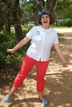 Rosie Wednesday: Adventures in Vintage-Style Sewing: Cigarette Pants and a Monogramed Blouse