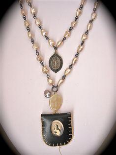 -  Vintage Madonna Pocket Shrine and Miraculous Medal- <3