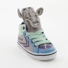 Boy giraffe hiptops by Feiyue. Funkylace up runners, to wear around the house or to wear out on the town.
