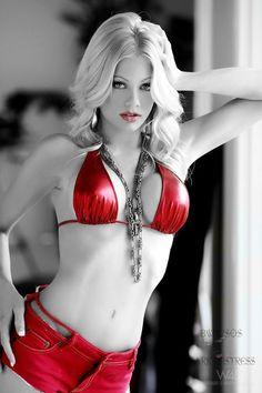 Angie Harmon, Nude
