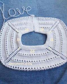 Free Knitting Pattern Baby Cardigan with CablesThis Pin was discovered by den Crochet Baby Dress Pattern, Baby Sweater Knitting Pattern, Crochet Yoke, Baby Girl Dress Patterns, Crochet Girls, Easy Knitting Patterns, Knitting Designs, Baby Patterns, Baby Knitting