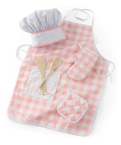 Bitty bakers are fit for the pastry-making part with this accessory set. Featuring a chef's hat, apron, oven mitt and many more essential utensils, it inspires little imaginations to concoct confections and serve the sweetest treats without the mess.