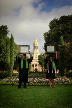 These Baylor sweethearts finally got their degrees! #SicEm