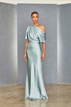 Fluid Satin off-one-shoulder draped bodice gown with bias column skirt. Shown in Jade. Satin Dresses, Elegant Dresses, Beautiful Dresses, Formal Dresses, Smocked Dresses, Club Dresses, Party Dresses, Mode Costume, Little White Dresses