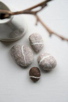 reyart felted pebbles